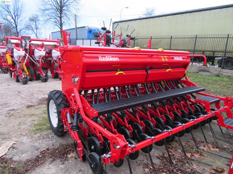 Ozdoken Sähmaschine  3m PERTUM/Mechanical seeder /Сеялка PERTUM-S300