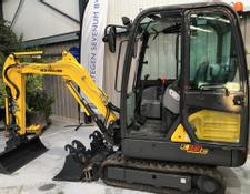 New Holland E 18 C
