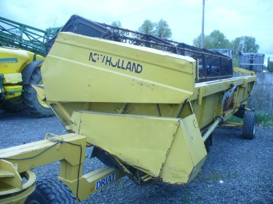 New Holland 24 PIEDS