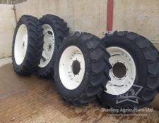 Sonstige 380/90R46 and 380/85R30 Rowcrops for New Holland